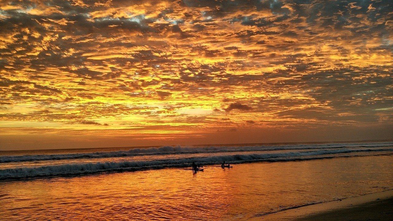 Kuta sunset Image by Adnandros on Pixabay
