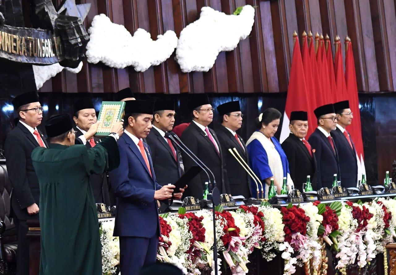 Jokowi inauguration oath image by setneg