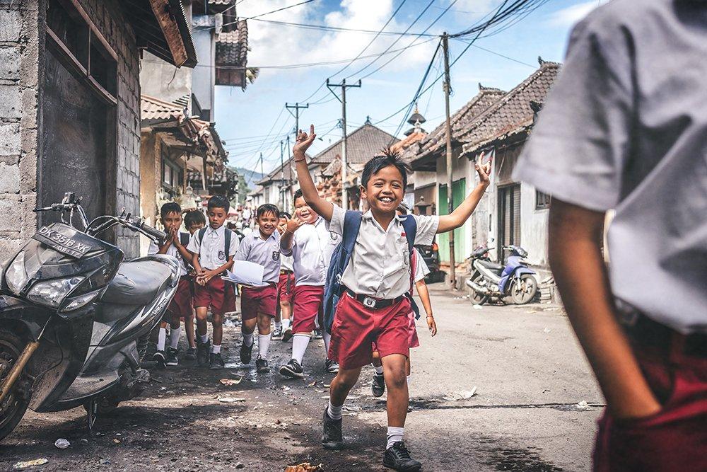 indonesia school kids Photo by Artem Beliaikin on Pexels